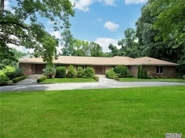 169 Middle Neck Rd, Sands Point, NY 11050