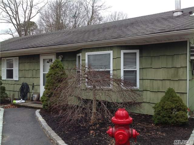 130 Wading River Rd, Center Moriches, NY 11934