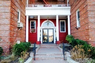 114-20 Queens Blvd #F9, Forest Hills, NY 11375