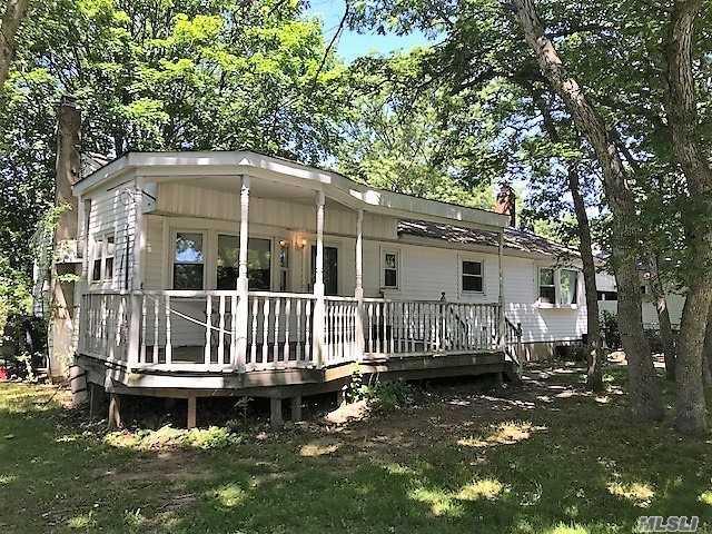 452 Bicycle Path, Pt Jefferson Sta, NY 11776