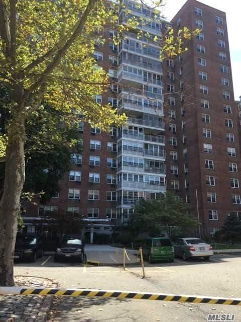 43-10 Kissena Blvd #1 D, Flushing, NY 11355