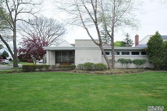 1048 Old Country Rd, Westbury, NY 11590