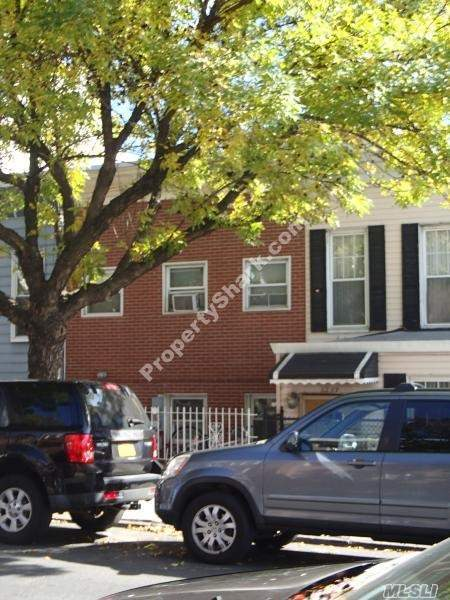 32-67 37th St, Astoria, NY 11103