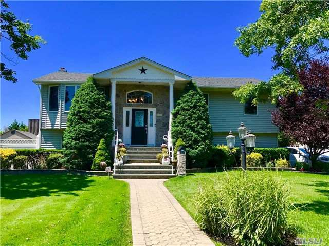 172 Anchorage Dr, West Islip, NY 11795