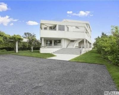 Photo of 186/189 Dune Road Rd, Quogue, NY 11959