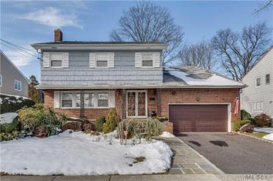 992 S End, Woodmere, NY 11598