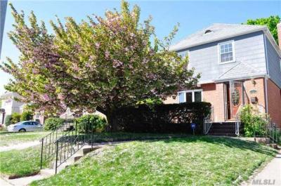 Photo of 75-34 186th St, Fresh Meadows, NY 11366