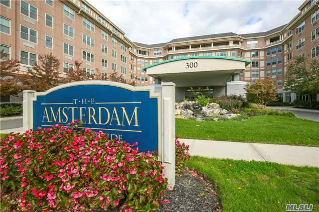 300 East Overlook #228, Port Washington, NY 11050