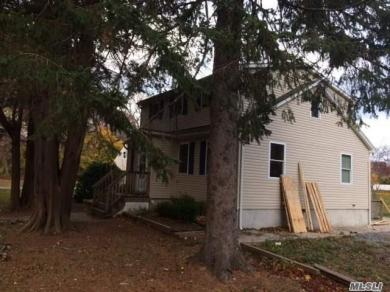 413 N Country Rd, Miller Place, NY 11764