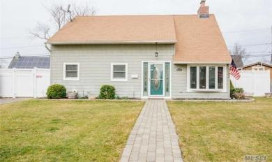 2427 3rd Ave, East Meadow, NY 11554