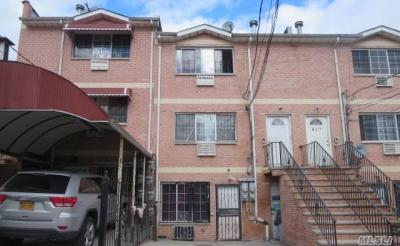 Photo of 685 E 219th St, Out Of Area Town, NY 11568