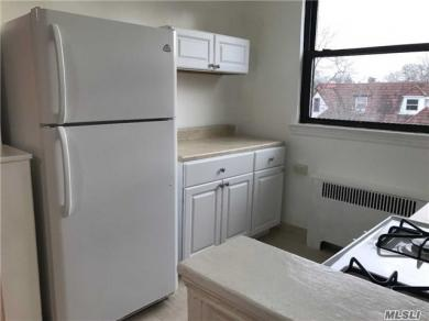 72-44 Yellowstone Blvd #2nd Fl, Forest Hills, NY 11375