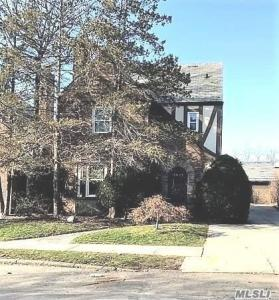 108-45 66th Rd, Forest Hills, NY 11375