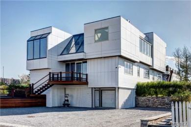 86 Dune Rd, Quogue, NY 11959