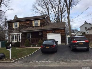 327 Birch Rd, Kings Park, NY 11754