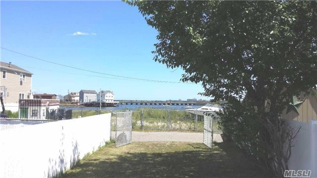 Channel Rd, Broad Channel, NY 11693
