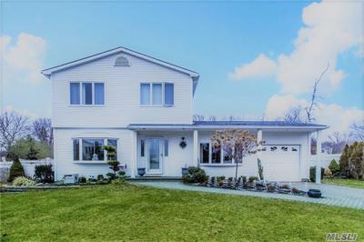 Photo of 9 Edwin Ave, Patchogue, NY 11772