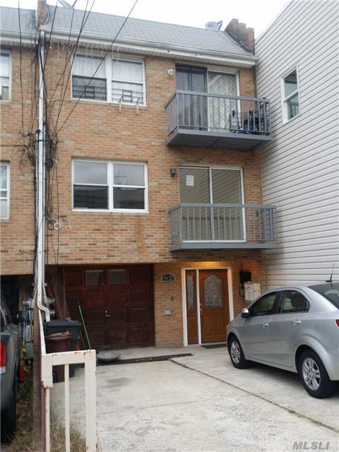 60-23A 55th, Maspeth, NY 11378