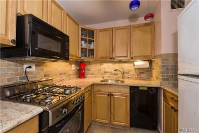 70-25 Yellowstone Blvd #23q, Forest Hills, NY 11375