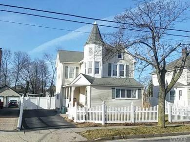 148 Maple Ave, Patchogue, NY 11772