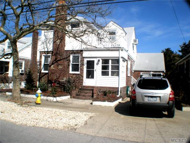 78 Inwood Ave, Point Lookout, NY 11569