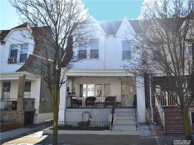 78-28 68th Rd, Middle Village, NY 11379