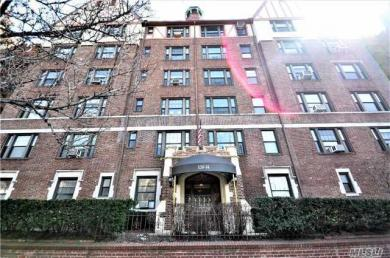 109-14 Ascan Ave #2o, Forest Hills, NY 11375