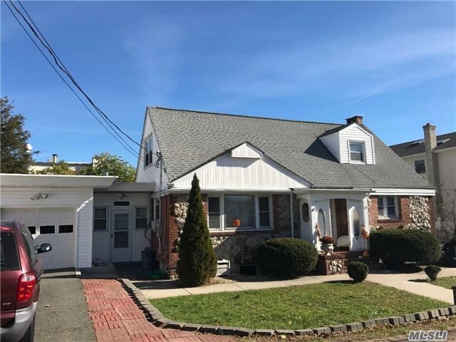 219 St Johns Pl, East Meadow, NY 11554