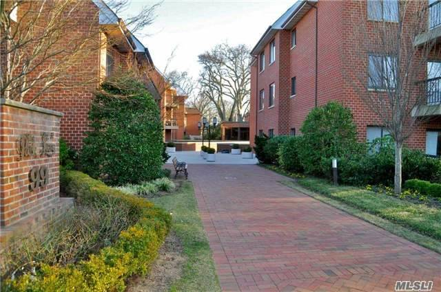 99 S Park Ave #310, Rockville Centre, NY 11570