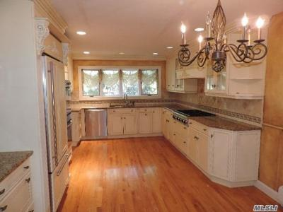 Photo of 15 Candlewood Path, Dix Hills, NY 11746