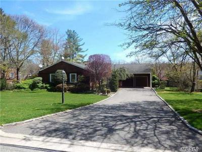 Photo of 62 Cornell Dr, Plainview, NY 11803