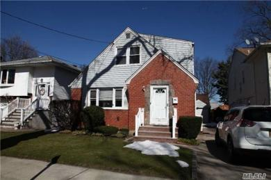 27 Emerson Ave, Floral Park, NY 11001