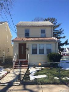 114-02 208th St, Cambria Heights, NY 11411