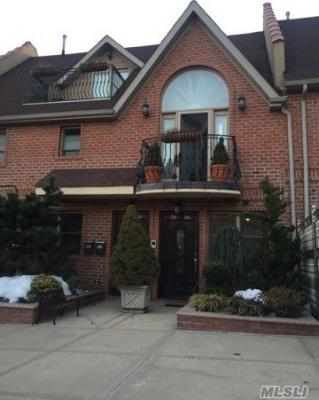 Photo of 58-06 76th St, Middle Village, NY 11379