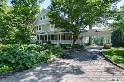 Photo of 15 Harbor Hill Rd, Huntington Bay, NY 11743