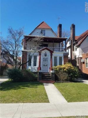 Photo of 98-07 71st Ave, Forest Hills, NY 11375