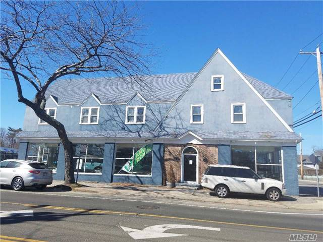 193 W Main St, Bay Shore, NY 11706