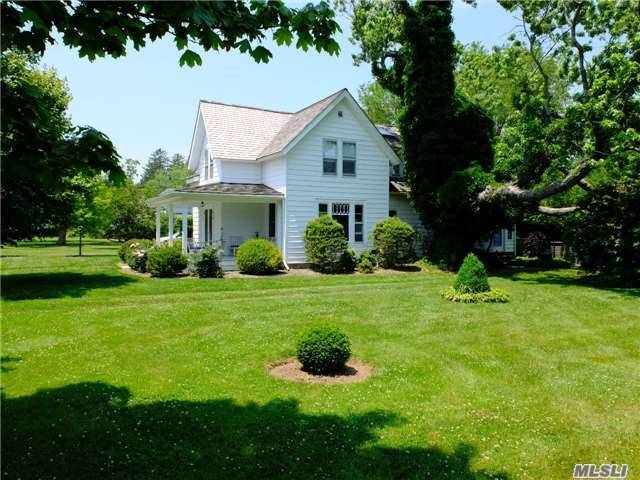 1045 Orchard St, Orient, NY 11957