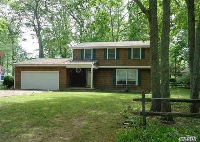 80 West Ln, East Marion, NY 11939