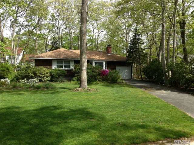 275 Oak Dr, Cutchogue, NY 11935