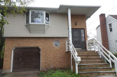Photo of 126 S Montague St, Valley Stream, NY 11580