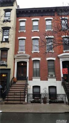 Photo of 451 West 50 St, Out Of Area Town, NY 10019