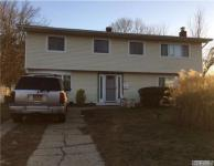 270 Riddle St, Brentwood, NY 11717