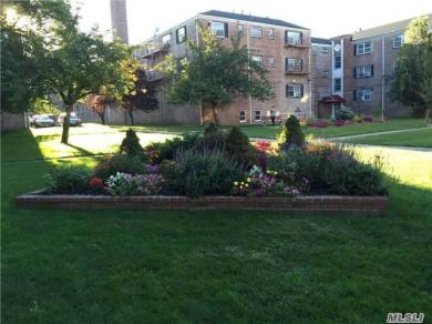 66-06 Grand Central Pky #3a, Forest Hills, NY 11375