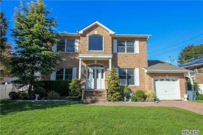 Photo of 3087 Beltagh Ave, Wantagh, NY 11793