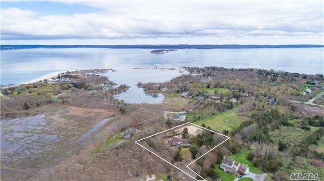 9502 N Bayview Rd, Southold, NY 11971