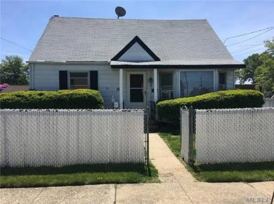 1 Virginia Ave, Plainview, NY 11803