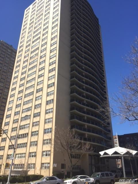 66-36 Yellowstone Blvd #11d, Forest Hills, NY 11375