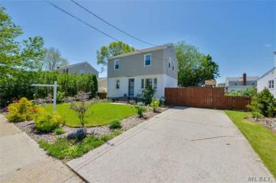 2194 2nd St, East Meadow, NY 11554