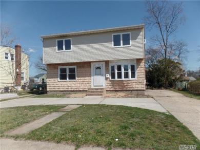 168 Oriole Rd, Levittown, NY 11756
